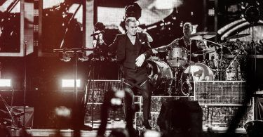 robbie-williams-live-belgrade-2015-featured