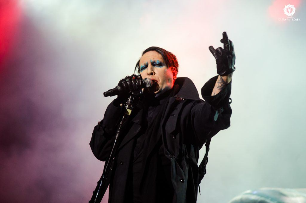 hardwired magazine hear marilyn manson s new love song kill4me. Black Bedroom Furniture Sets. Home Design Ideas