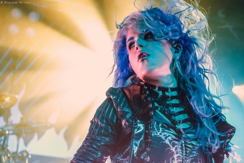 alissa-white-gluz-arch-enemy-live-2017