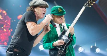 acdc-brian-johnson-angus-young